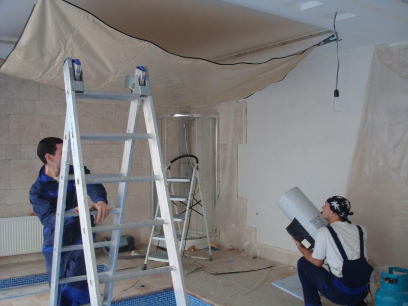 Что нужно для монтажа натяжных потолков?
